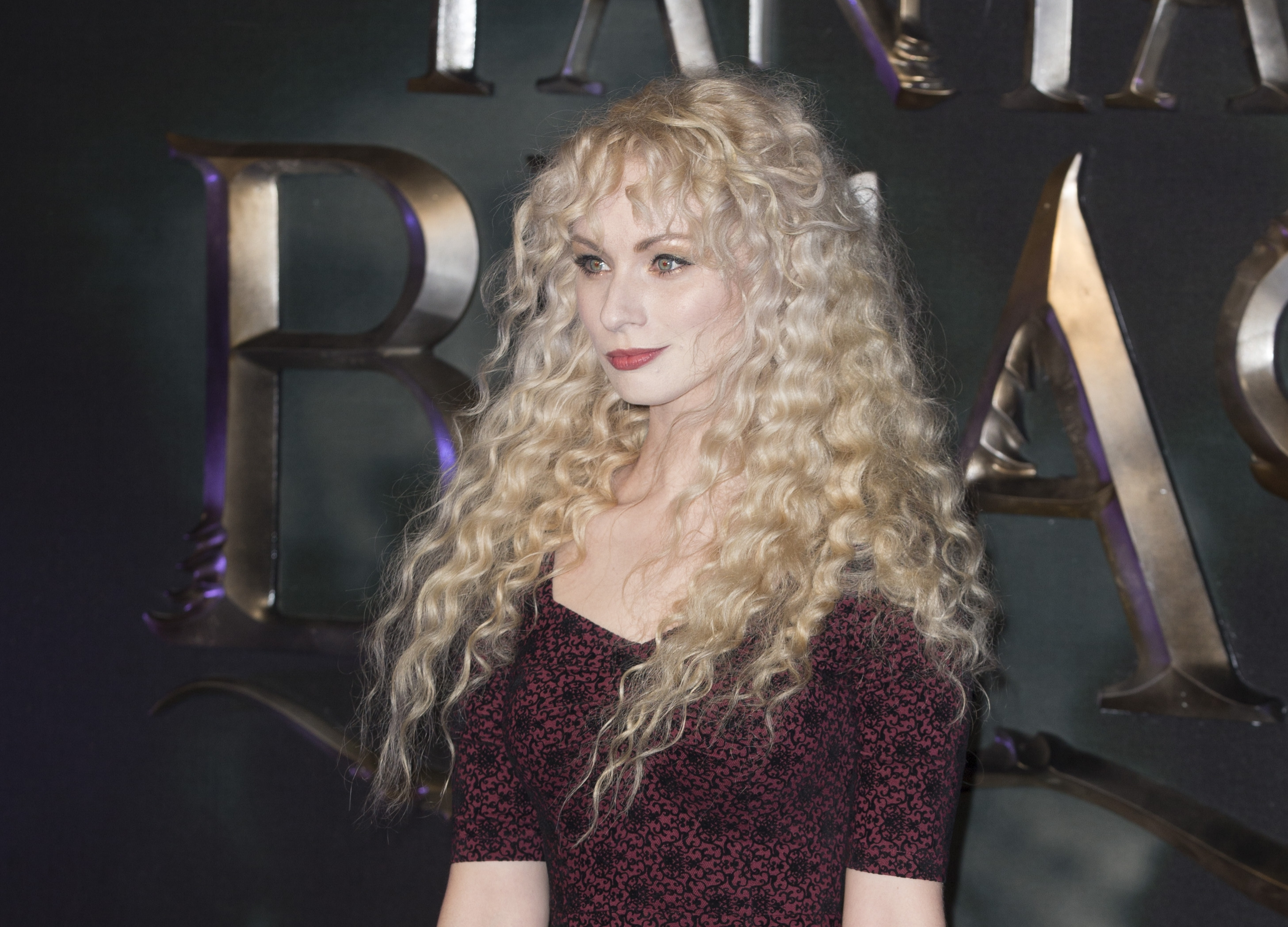 Singer-songwriter, Emmi at the European Premiere of Fantastic Beasts.