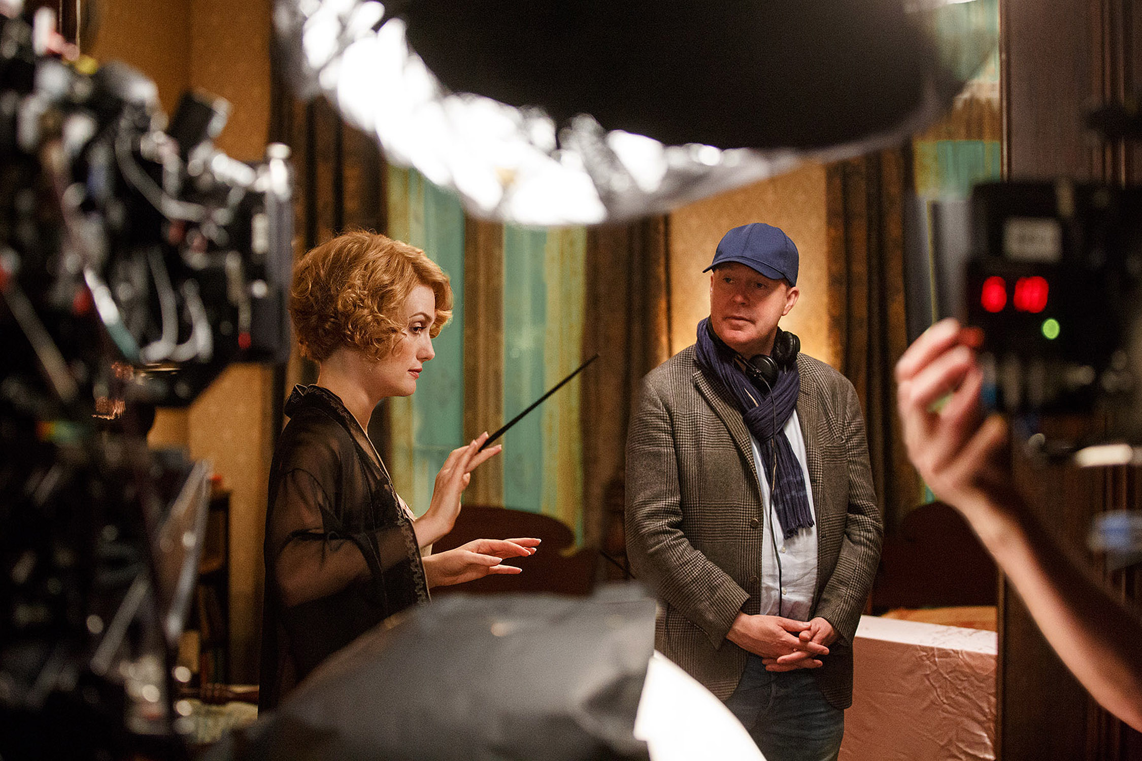 Alison Sudol and David Yates on set of Fantastic Beasts