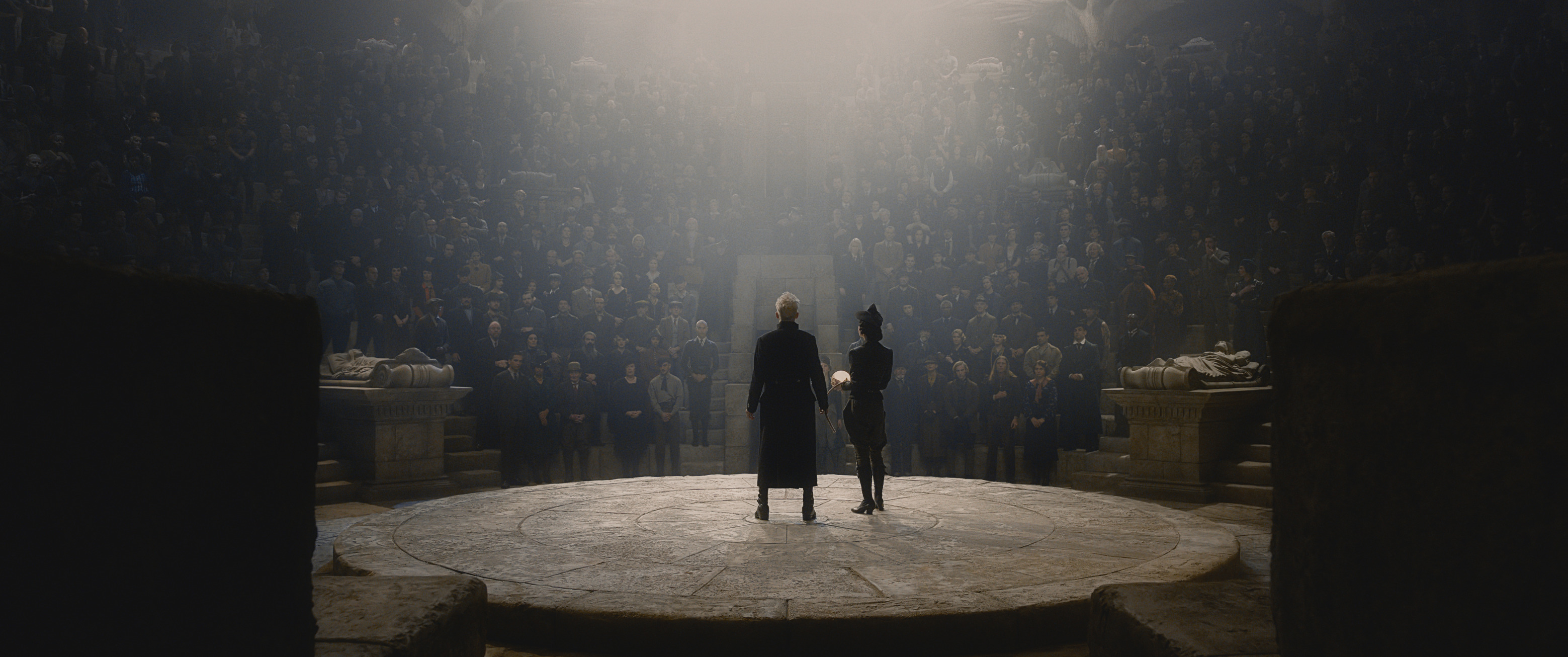 Grindelwald addresses his followers in The Crimes of Grindelwald