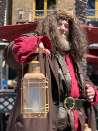 A Hagrid cosplayer in SDCC:2019
