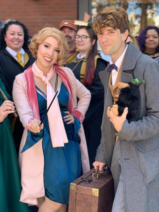 SDCC 2019: Newt and Queenie larger image