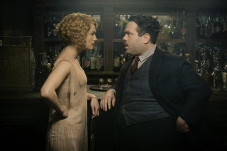 Witch Queenie Goldstein with No-Maj Jacob Kowalski visit The Blind Pig speakeasy in Fantastic Beasts and Where to Find Them