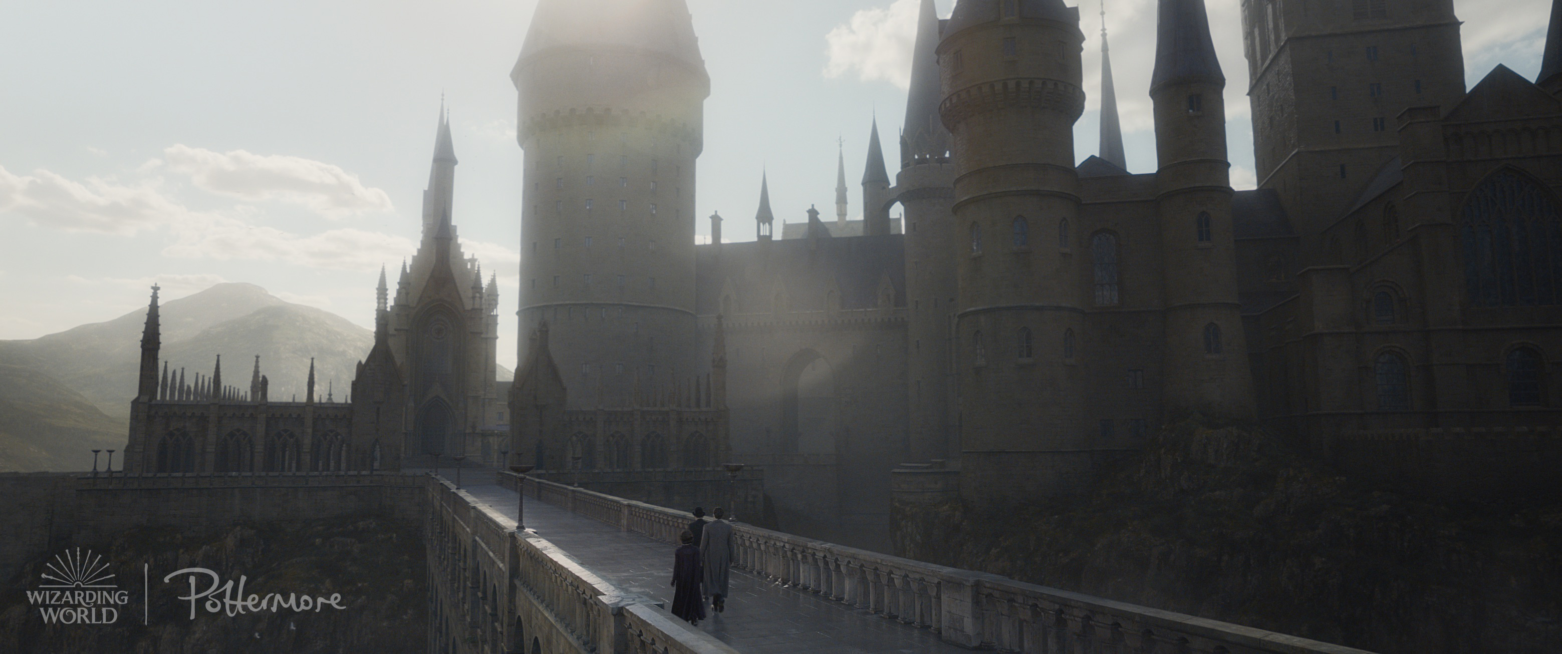 Hogwarts castle in the Fantastic Beasts: Crimes of Grindelwald trailer