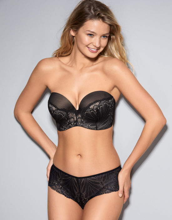 Refined Glamour Ultimate Strapless Bra in Black by Wonderbra c08fa15bd