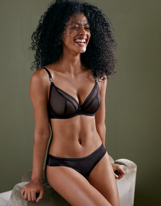 f0d526196890 Lifestyle Plunge Bra in Black by Curvy Kate