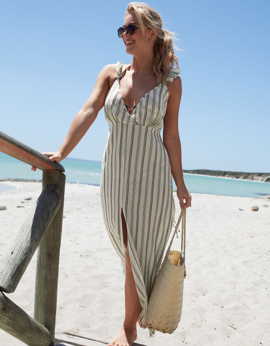 13acbdfaf339 Beach Maxi Dresses | Holiday Maxi Dresses | Bravissimo