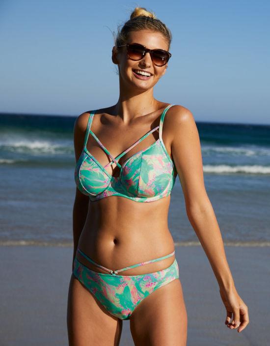 1dadfad0b3659 Zanzibar Plunge Bikini Top in Multi Print by Bravissimo
