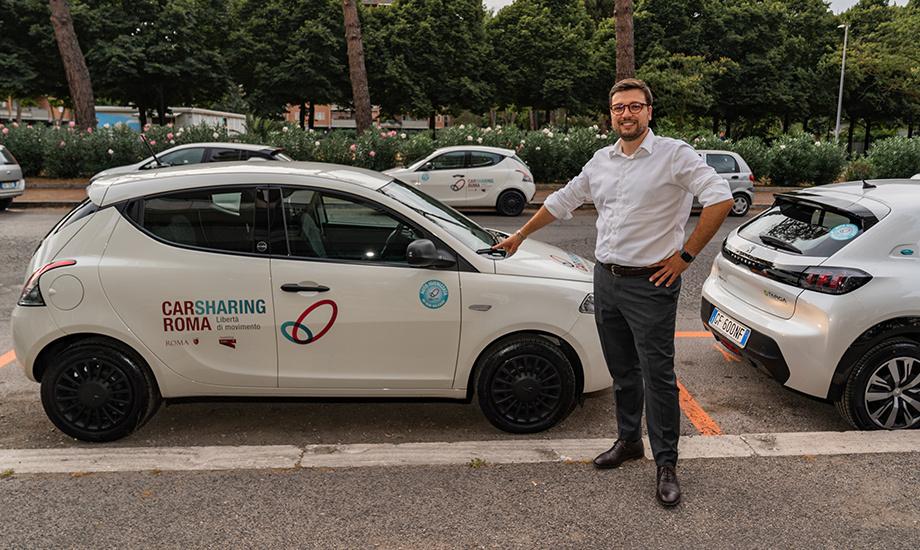 """Christian Padovan, CEO di Wash Out, società del gruppo Telepass che si occupa di lavaggio auto senz'acqua e a domicilio, lancia lo """"Smart Cube"""", dispositivo innovativo in grado di diffondere in modo automatico all'interno del veicolo un prodotto igienizzante."""