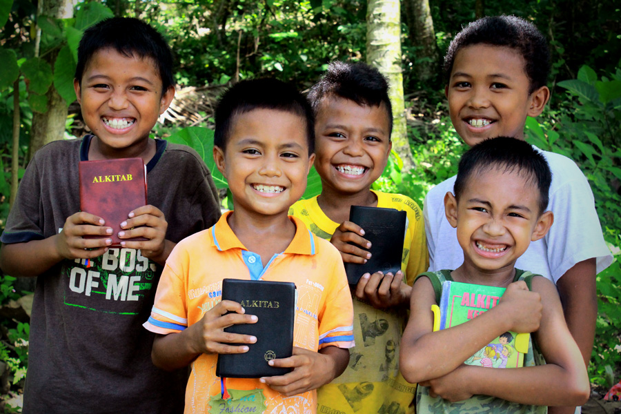 Children with Bibles in Indonesia