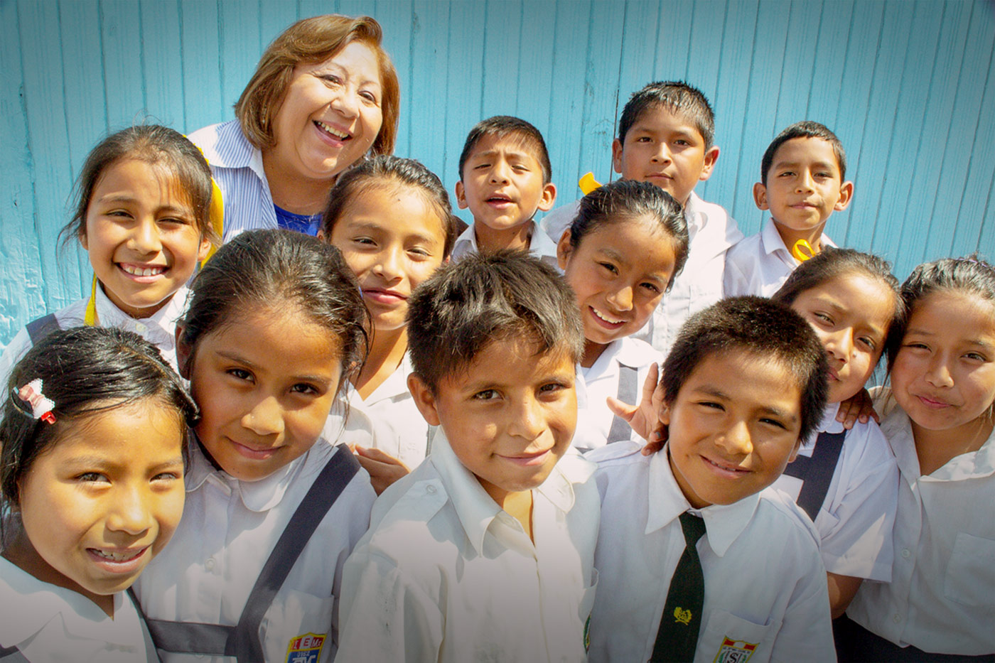 Cristina Zavala with Peru children