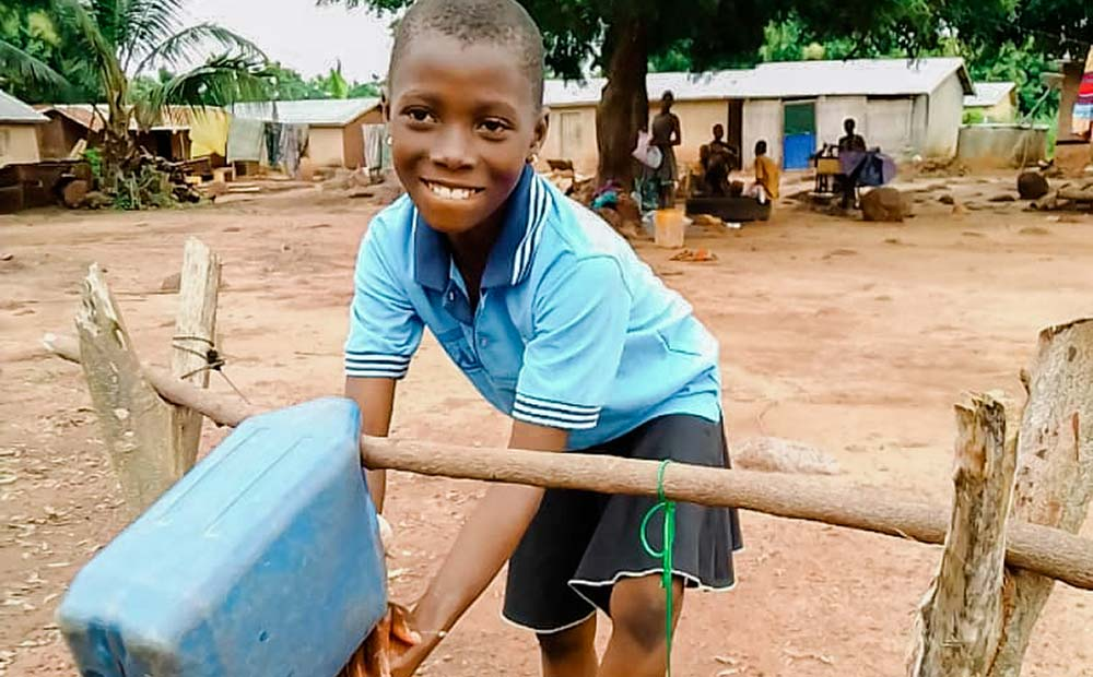 Making handwashing stations in Togo