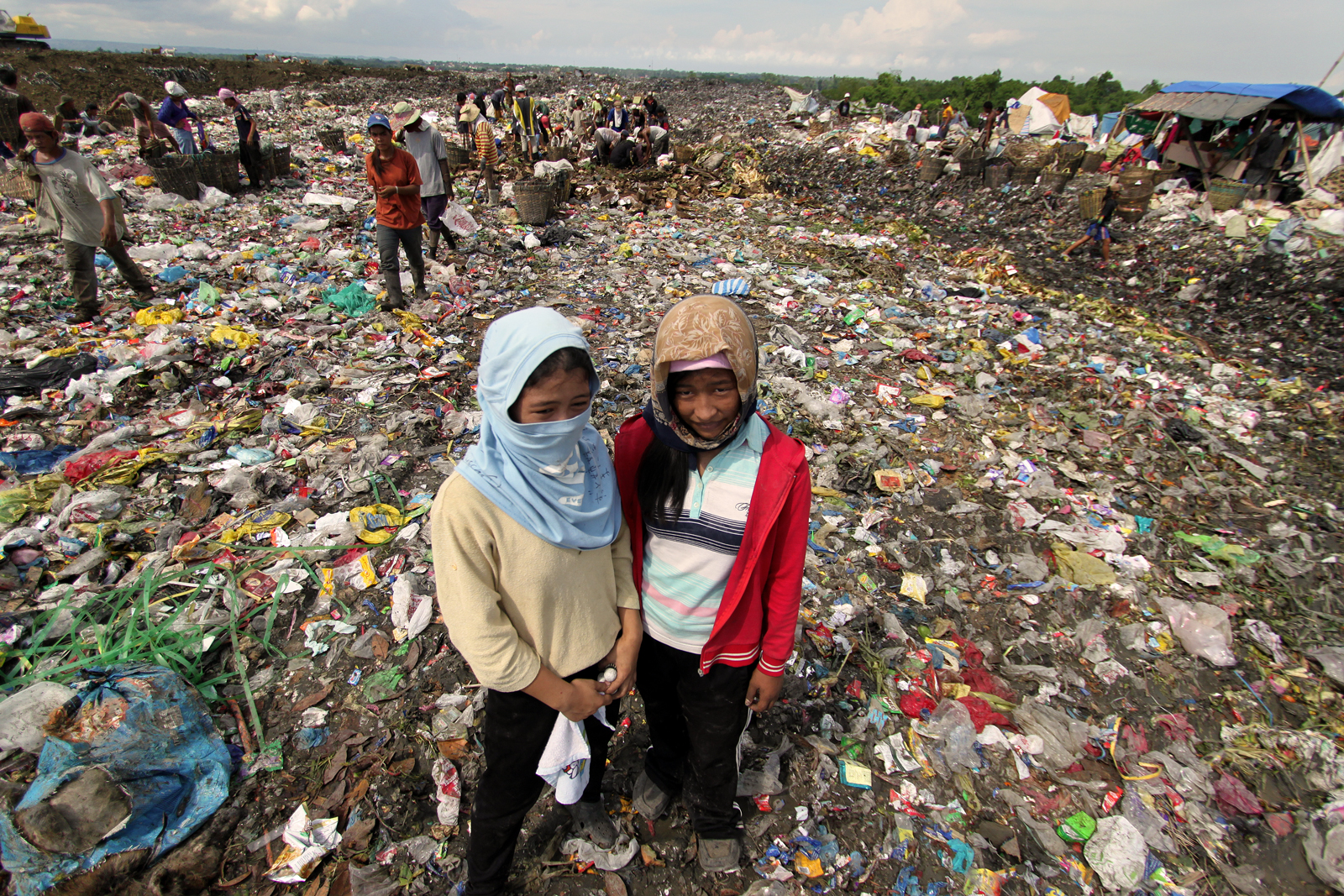 life in the philippines' largest dump