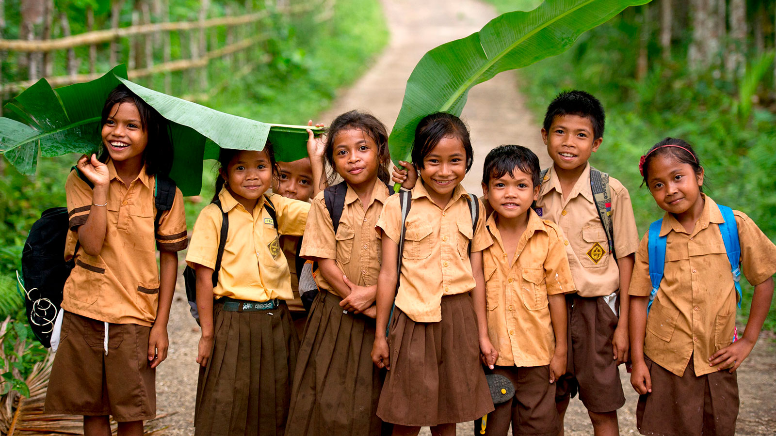 indonesia-sumba-island-school-children