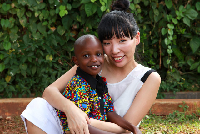 Watch the Beautiful Moment Dami Im Met Jovia in Uganda