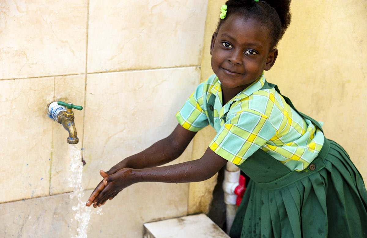Haiti - Water fountain brings relief