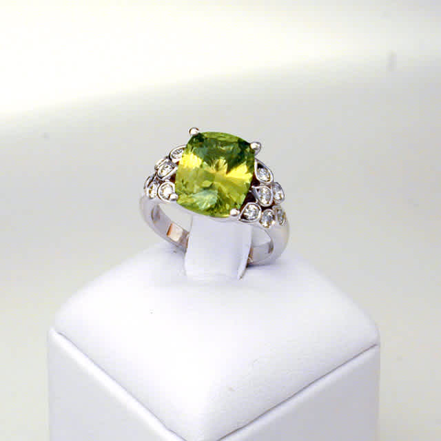 18 Karat Gold Cocktail Ring with Green Chrysoberyl