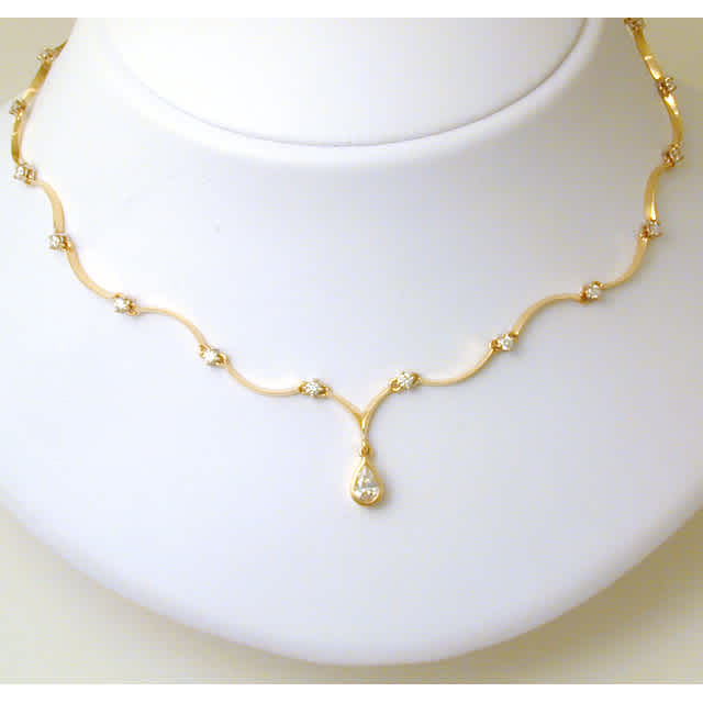 Yellow Gold Necklace with Pear Shaped Diamond