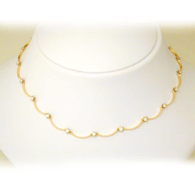 Necklace - 18K Yellow Gold Scalloped