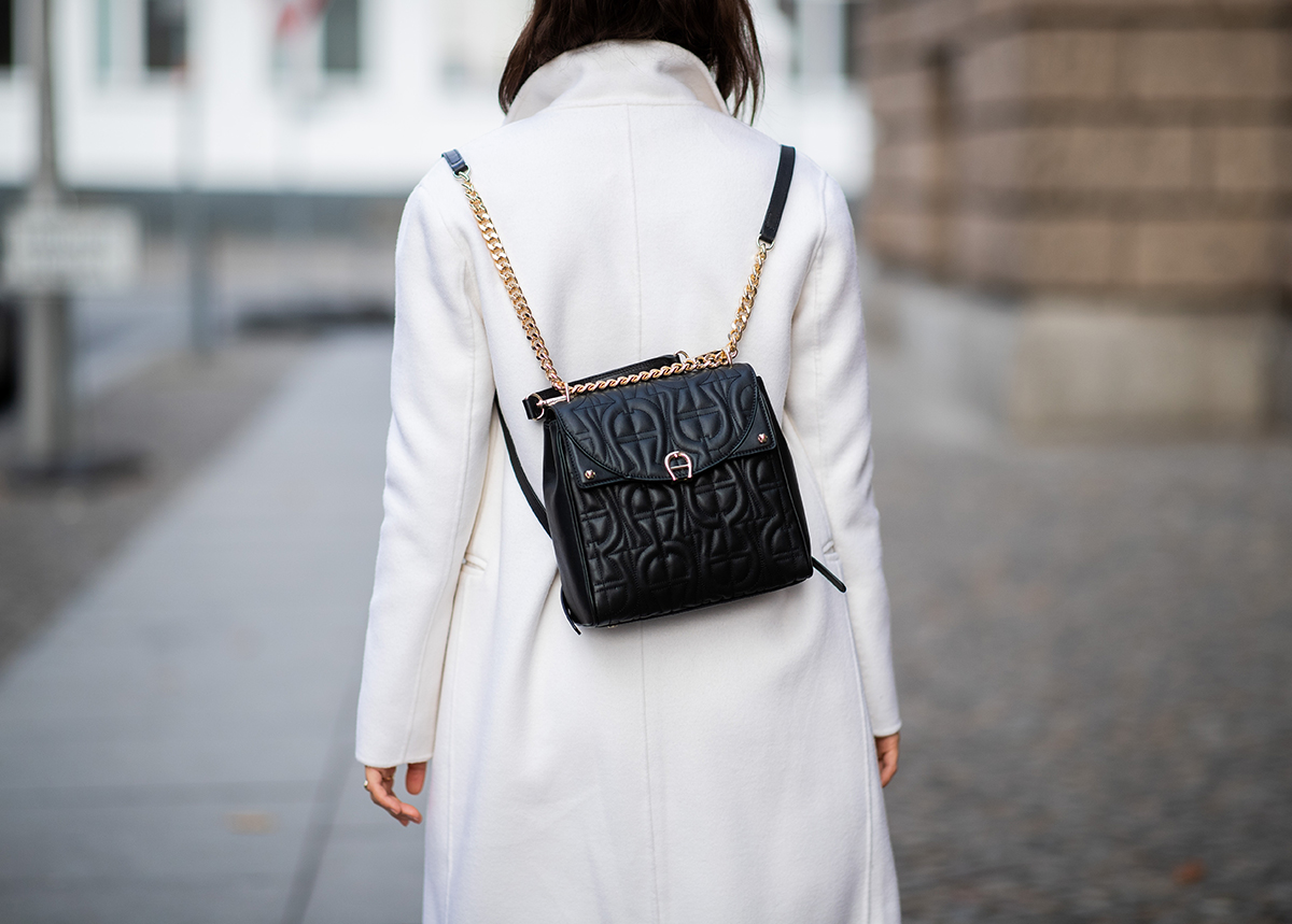 How-to-wear-your-AIGNER-backpack-3-neu