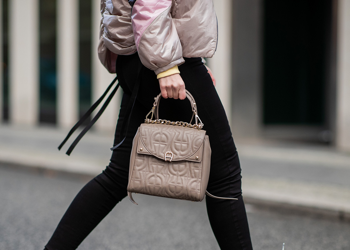 How-to-wear-your-AIGNER-backpack-7-neu