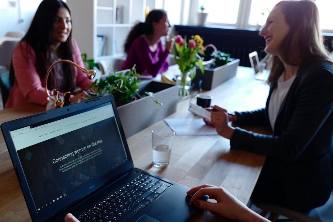 Mujeres que trabajan en tecnología- La Haus