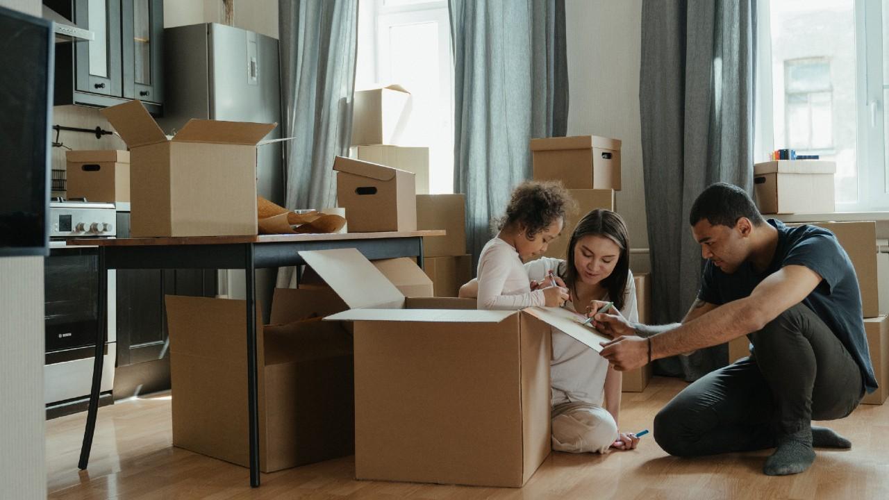 Cinco mitos de comprar vivienda usada - La Haus