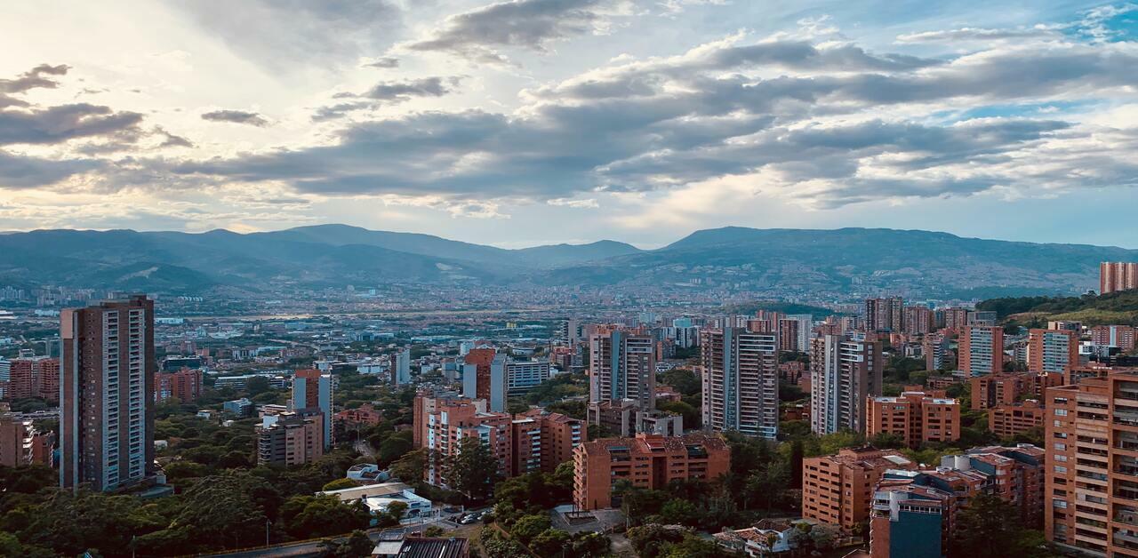 Valor del metro cuadrado de los barrios con mayor valorización de inmuebles en Medellín  - La Haus