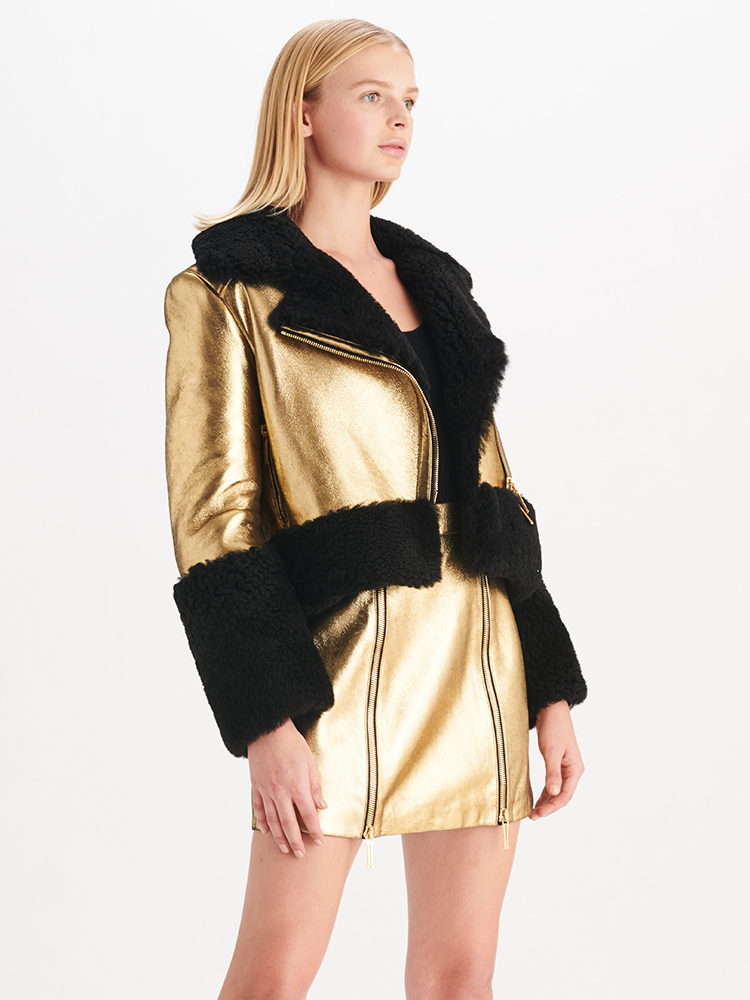 LOOK01 P1 METALLIC SHEARLING COAT GOLD 01