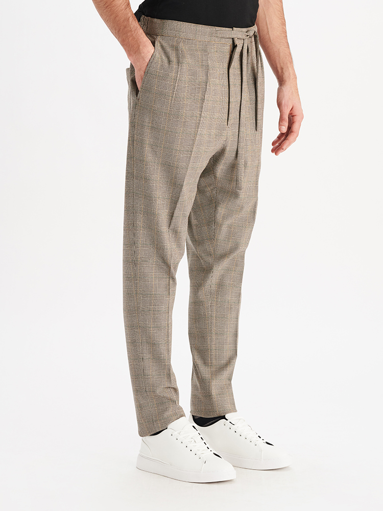 LOOK01 P2 PRINCE OF WALES JOGGER 02