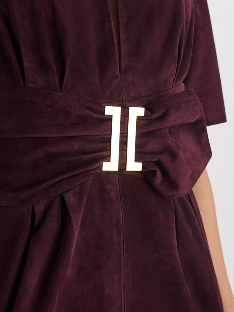 LOOK05 P1 SUEDE WAIST DRESS AUBERGINE 04