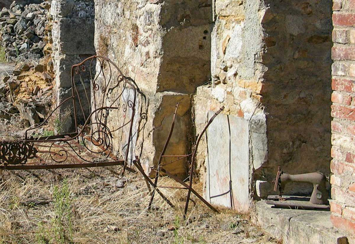 Sewing-Machines-Oradour-sur-Glane-3