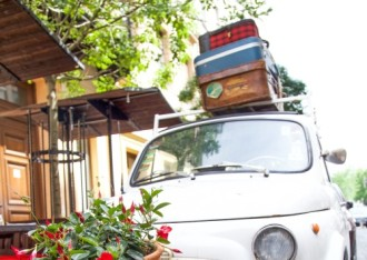 luggage-in-car