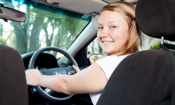 Should I learn to drive with Male or female driving instructor