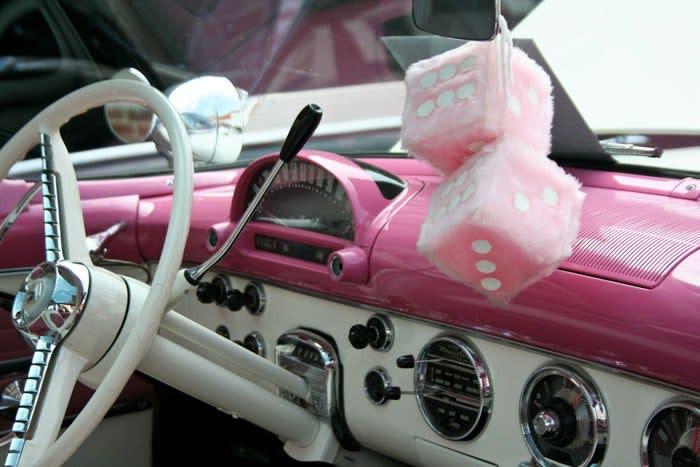 girls-car