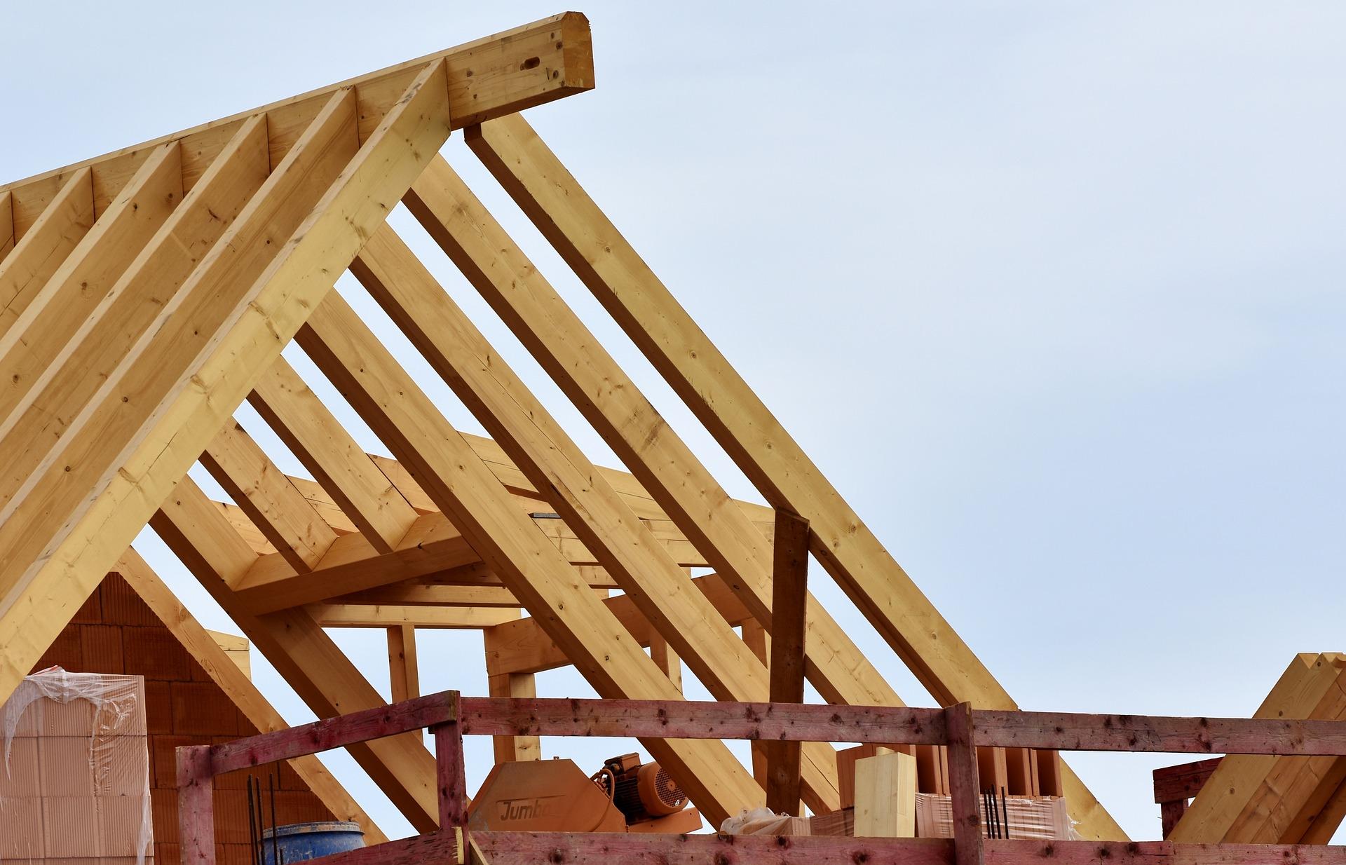 Lukarna dachowa – charakterystyka, budowa, rodzaje