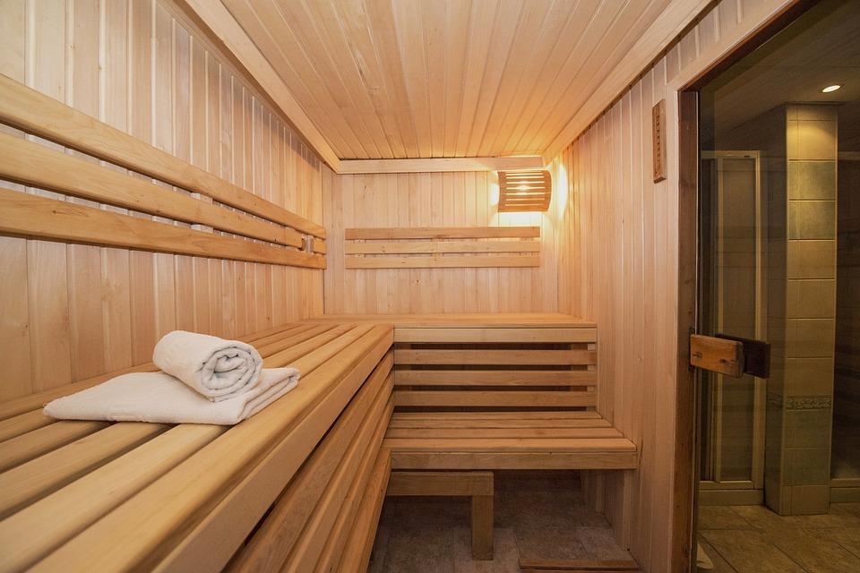 Budowa sauny w domu – cechy charakterystyczne, rodzaje, analiza czynników oraz prawidłowy montaż urządzenia