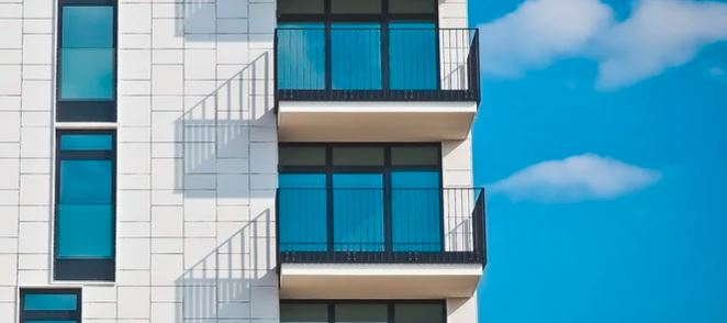 zakaz palenia papierosów na balkonach