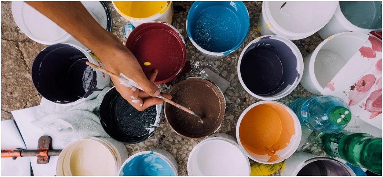 Jak prawidłowo wykonać malowanie ścian?