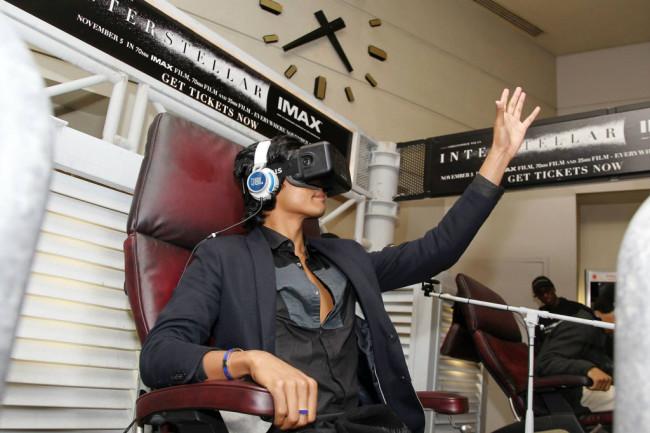 Interstellar-VR-experience-1024x683.jpg