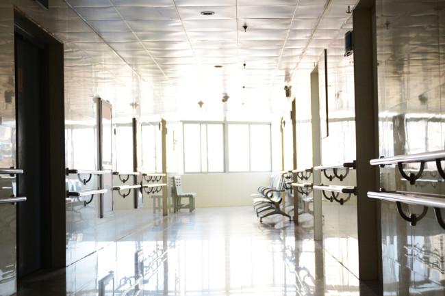 empty-laboratory