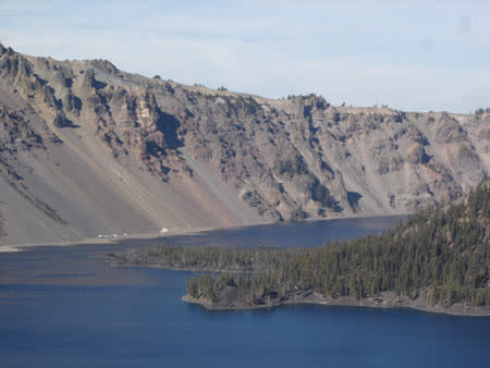 craterlake_landslide_sm.jpg
