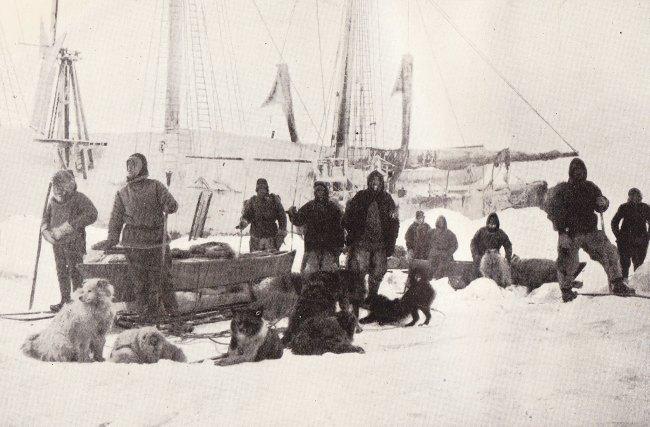 Nansen_Johansen_depart_14_March_1895.jpg