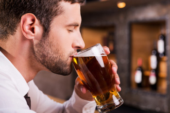 Dads Who Drink Right Before A Pregnancy Might Harm Their Baby's Health, Too