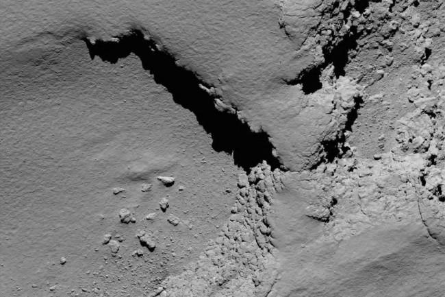 Comet_from_5.8_km_narrow-angle_camera-1024x1024.jpg