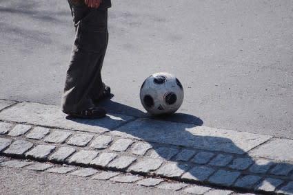 footballfoot-425x284.jpg