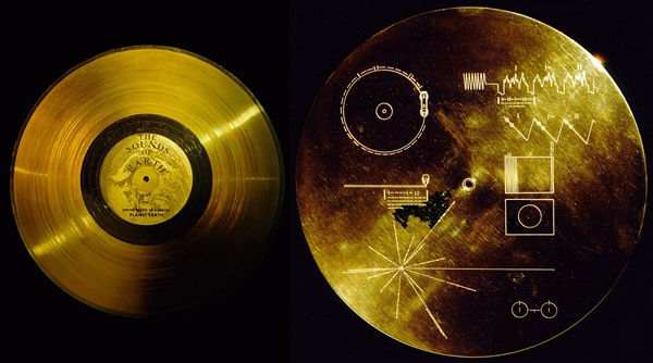 The Voyager golden record (left) is a 12-inch gold-plated copper disc. Its cover aluminum electroplated with an ultra-pure sample of uranium-238. (Credit: NASA)