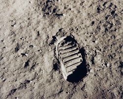 apollo11bootprint_300.jpg