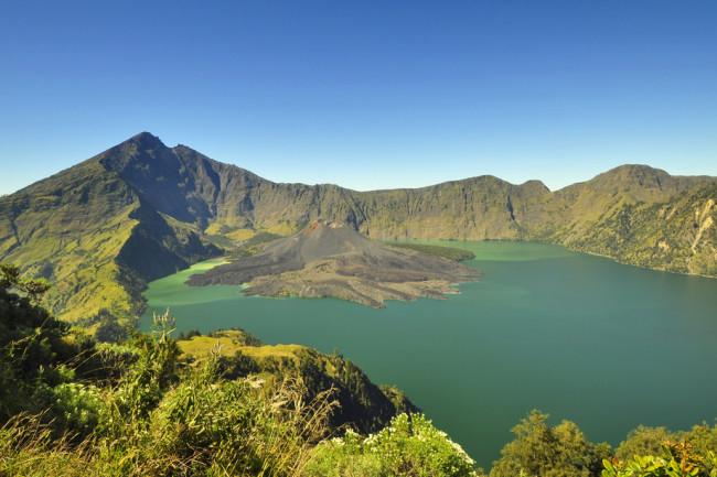 Jari-Baru-Mount-inside-Mount-of-Rinjani-Lombok-Indonesia.jpg