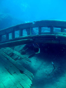 shipwreck220.jpg