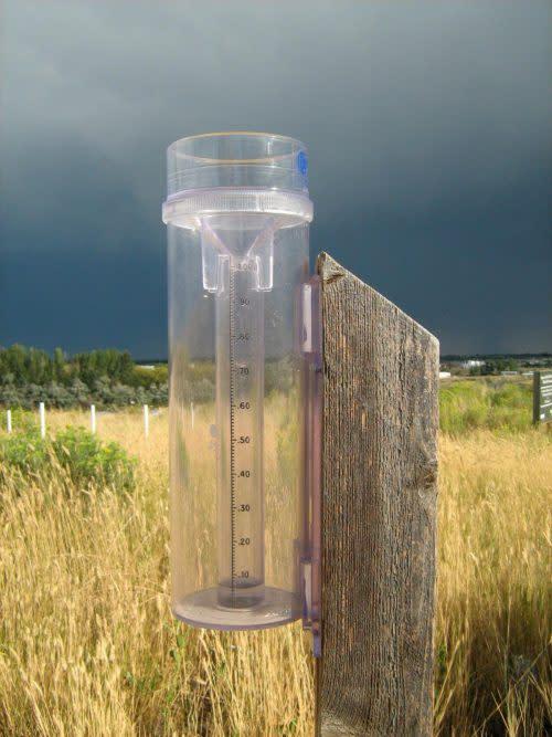 storm-gauge-se-8-28-07-500x667
